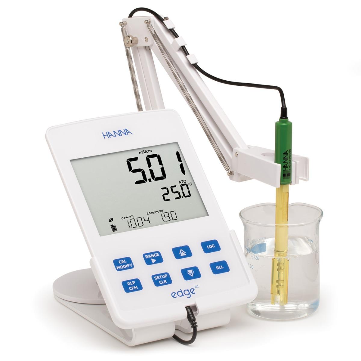 edge Conductivity/TDS/Salinity meter (in cradle)