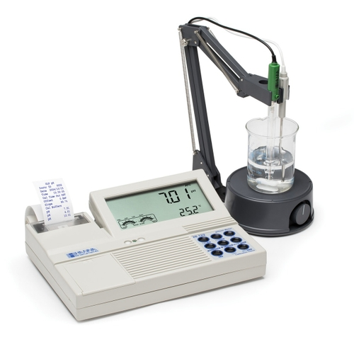 HI122 pH/mV/Temperature Bench Meter with Calibration Check
