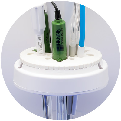 Versatile electrode holder