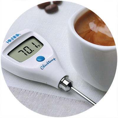 1995 — World's first pocket thermometer with CAL Check™